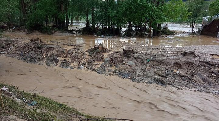 Kütahya'da tarım arazilerini sel vurdu