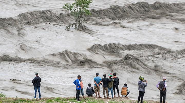 Nepal'deki sellerde ölenlerin sayısı 18'e çıktı