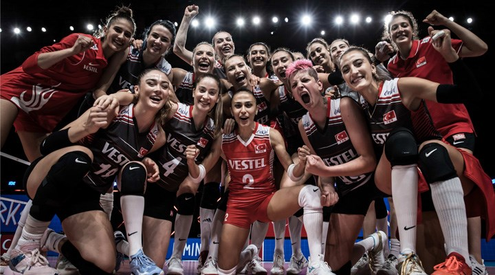 Türkiye Kadın Voleybol Takımı, Uluslar Ligi'nde dörtlü finale yükseldi
