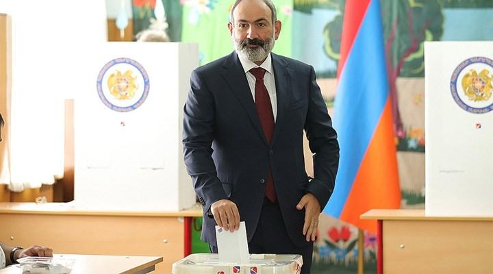 Ermenistan'da seçimlerin galibi Paşinyan: Tek başına hükümet kuracak