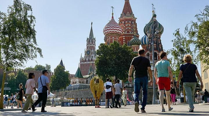 Rusya'da koronavirüs vakalarında artış yaşanıyor: Bazı tedbirlerin süresi uzatıldı