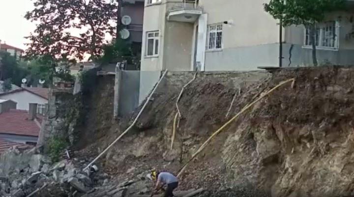 Ankara'da bir binanın istinat duvarı çöktü