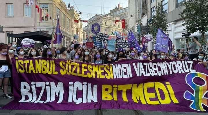 Kadınlardan İstanbul Sözleşmesi eylemi: Karar yok hükmündedir
