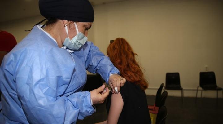 KLİMİK yanıtladı: 3'üncü doz ve koronavirüs geçirenlerde aşı uygulamalarıyla ilgili merak edilenler