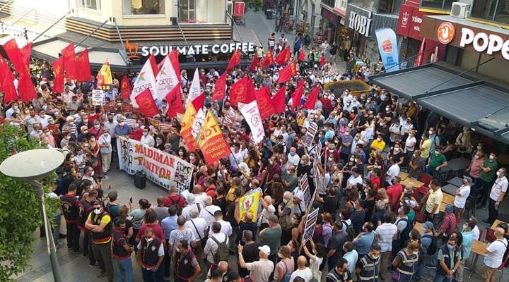 Madımak Katliamı'nda yaşamını yitiren aydınlar, İzmir'de anıldı
