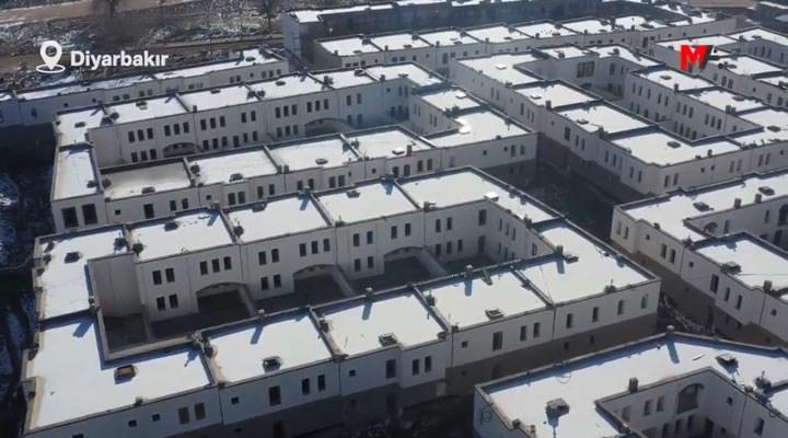 Diyarbakır Sur'da inşa edilen yeni yapılar, cezaevine benzetildi