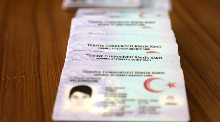 """Kimlik kartıyla seyahat edilebilen ülkelere artık """"fotoğrafsız"""" kimlikle gidilemeyecek"""