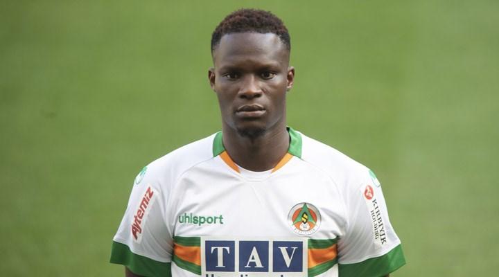Alanyasporlu futbolcu Babacar, kalp spazmı geçirdi