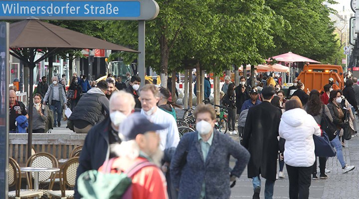 Delta varyantının baskın tür olduğu Almanya'da vakalar artıyor