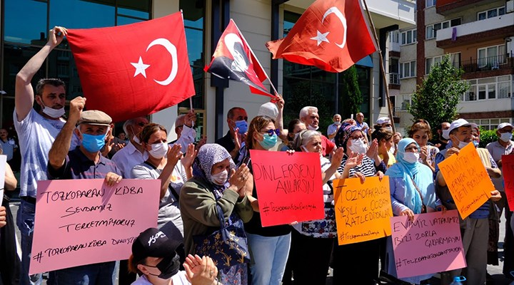 Tozkoparanlılar Güngören Belediyesi önünde: Danıştay kararını tebliğ etmeye geldik