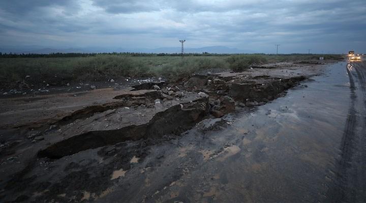 Iğdır'da sel: Evleri ve tarım arazilerini su bastı