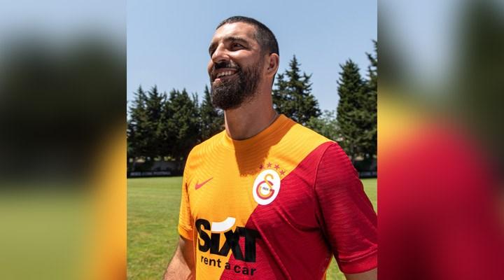 Galatasaray'ın yeni sezon formaları tanıtıldı