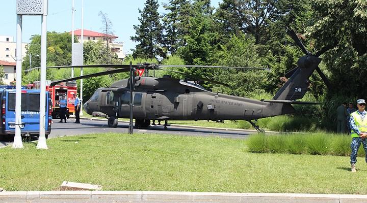 ABD ordusuna ait helikopter, Bükreş'te caddeye iniş yaptı