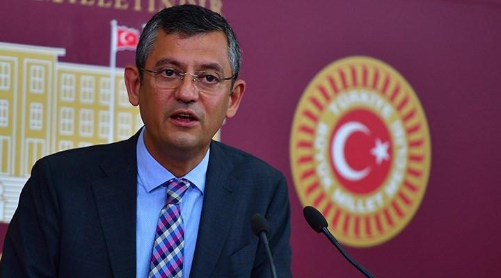 CHP'li Özel'den 15 Temmuz açıklaması: Neden kışlaları FETÖ'cülere terk ettiniz?