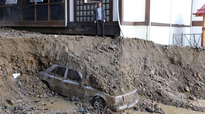 Rize'de 7 saatlik şiddetli yağış ve heyelan: Ölü sayısı 7'ye yükseldi!