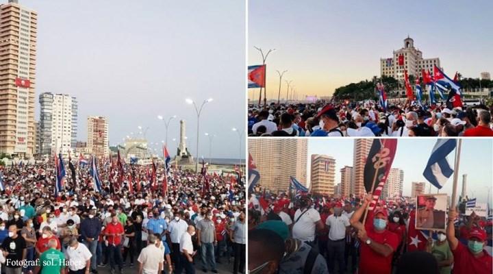 100 binden fazla Kübalı, devrimi savunmak için yürüdü