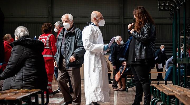 İtalya'da koronavirüs testlerinin pozitiflik oranında artış