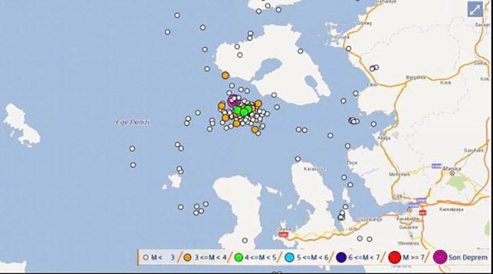 İzmir açıklarında 1 saatte 47 deprem meydana geldi