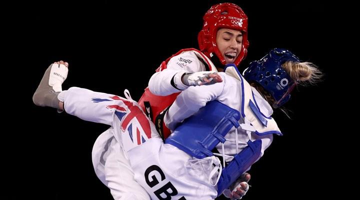 Olimpiyatlara mülteci damgası: Mülteci takımındaki İranlı kadın, tekvandocu favori İngiliz'i yendi