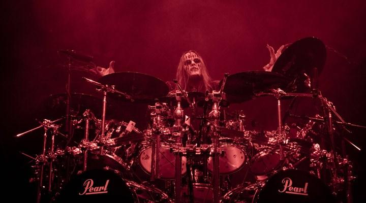 Slipknot'un kurucularından baterist Joey Jordison hayatını kaybetti