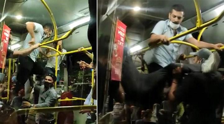 Otobüste kavga: Maske takmayan 2 kişi, yolcular tarafından darp edildi