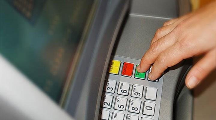 Tuzla'da ATM'lere kart kopyalama aparatı ve kamera yerleştiren 2 kişi yakalandı