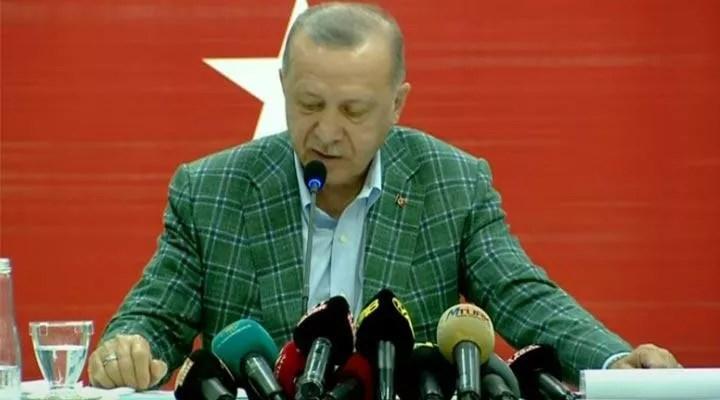 Erdoğan hayvanları ve evleri yanan yurttaşlara çay fırlattı