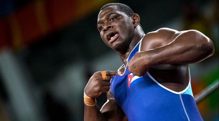 Tarihe geçti: Efsane güreşçi Kübalı Mijain Lopez Nunez altın madalya kazandı