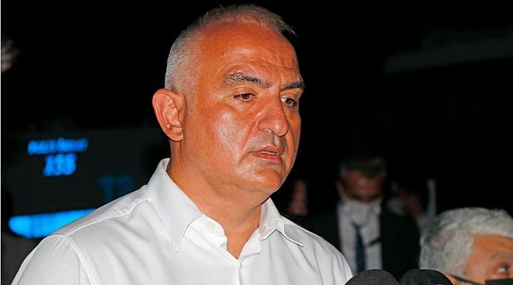 Turizm Bakanı Ersoy: Yangınla mücadele tweetle olmuyor