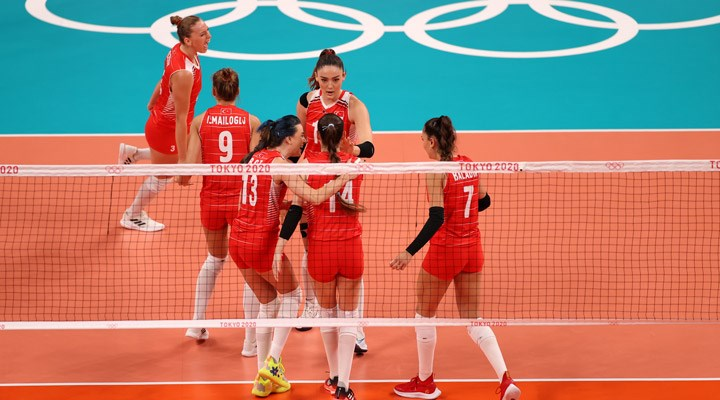 """A Milli KadınVoleybolTakımı çeyrek finalde veda etti: """"Halk bu takımla gurur duymalı"""""""