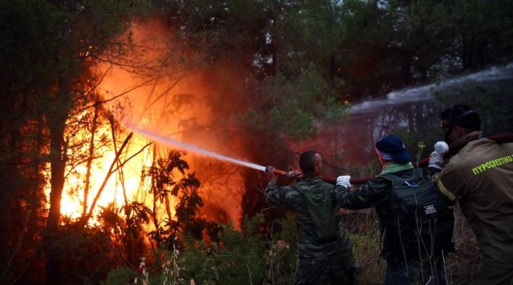 Yunanistan'da orman yangınları devam ediyor: Atina'da hava kirliliği oluştu, halka 'sokağa çıkmayın' çağrısı yapıldı