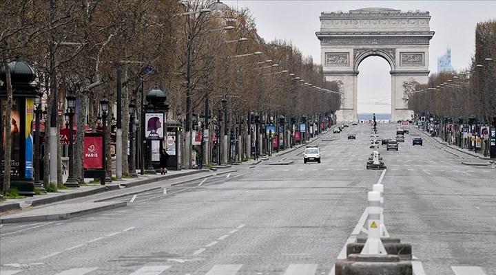 Fransa'da son 24 saatte 26 bin 460 Covid-19 vakası tespit edildi