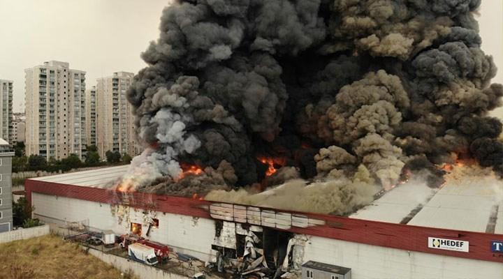 Esenyurt'ta lojistik deposunda yangın
