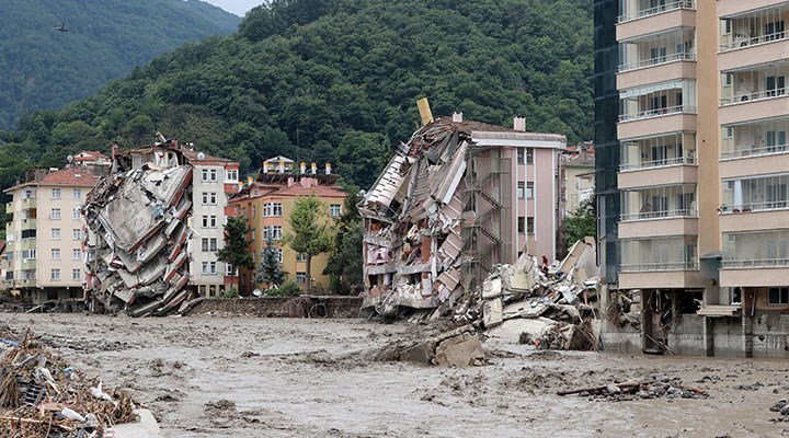 Bozkurt'ta sel felaketi: İlçede kaos hakim, kayıp sayısı hala netleşmedi