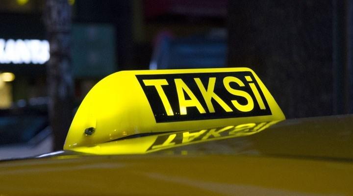 İBB, Taksim'den 1 km'lik yol için 200 TL isteyen taksicinin belgesini askıya aldı