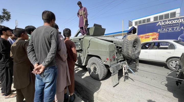 Taliban Kabil'de | Cumhurbaşkanı Gani ülkeyi terk etti, yönetim Taliban'a devredilecek