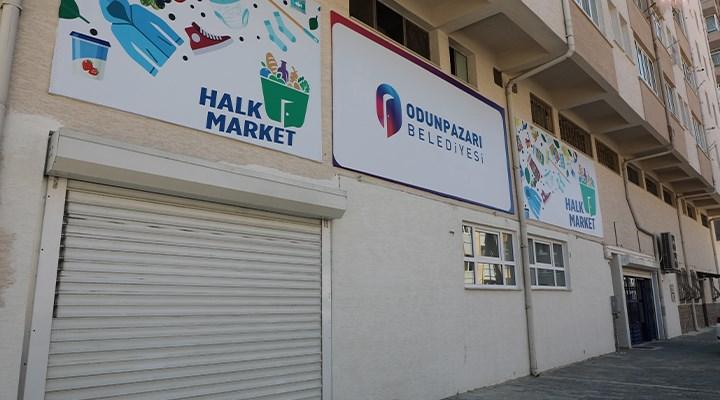 Odunpazarı'nda ihtiyaç sahibi öğrencilere Halk Market'ten kırtasiye desteği