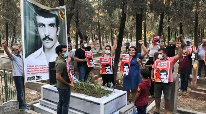 Devrimci Mustafa Özenç mezarı başında anıldı