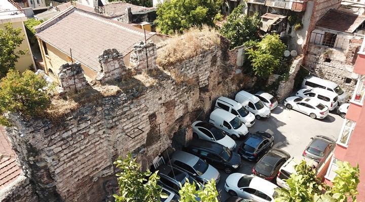 Kumkapı'daki tarihi liman, otopark olarak kullanılıyor