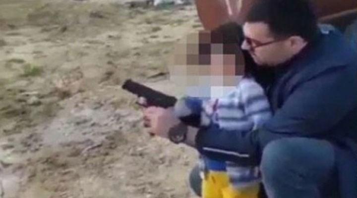 AKP gençlik kolları başkanı, çocuğa silah atışı yaptırdı