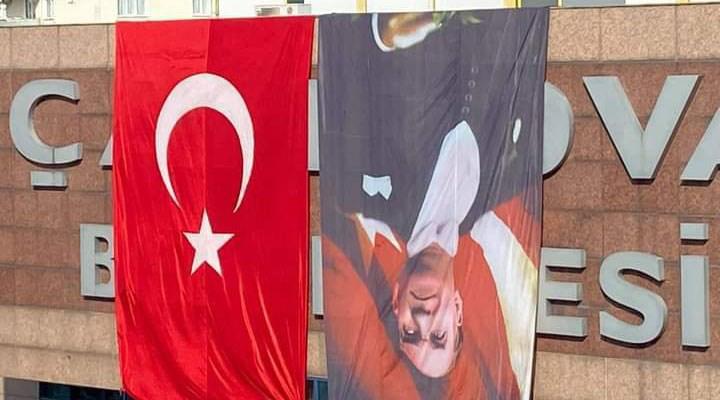 Atatürk posterini ters asan AKP'li belediye suçluyu buldu: CHP zihniyeti