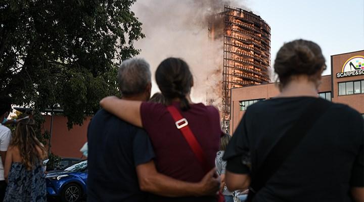 Milano'da 15 katlı binada yangın