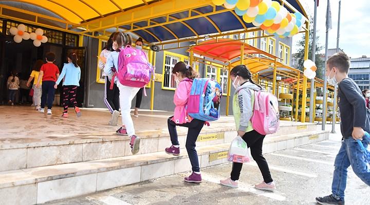 MEB Covid-19 ile mücadelede çıtayı 'yükseğe' koydu: Öğrenci başına 20 TL hijyen ödeneği