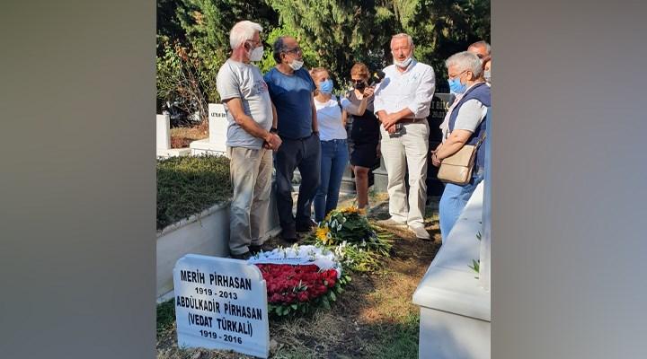 Vedat Türkali Dünya BarışGünü'nde unutulmadı