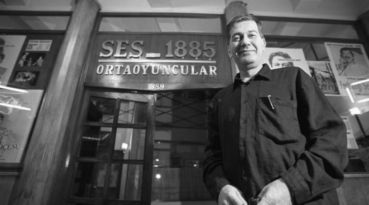 CANLI   Tiyatronun usta ismi Ferhan Şensoy, Ses Tiyatrosu'ndaki törenle son yolculuğuna uğurlanıyor