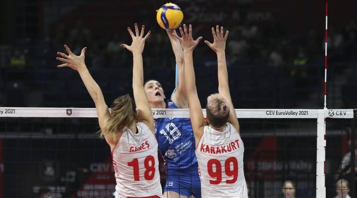 A Milli Kadın Voleybol Takımı yarı finalde Sırbistan'a kaybetti