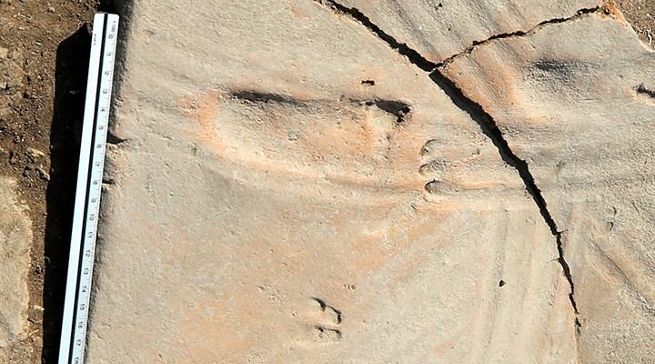 Assos kazılarında bir bebeğin 1300 yıl önceden kalma ayak izleri bulundu