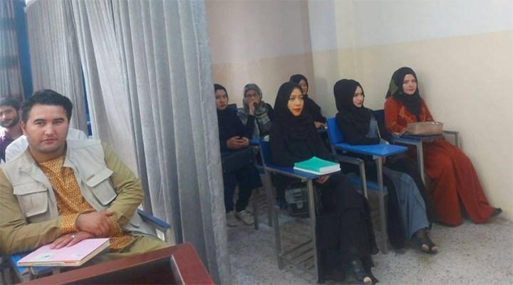 Taliban'dan üniversiteli kadınlara: Yüzünüzü peçe ile kapatın