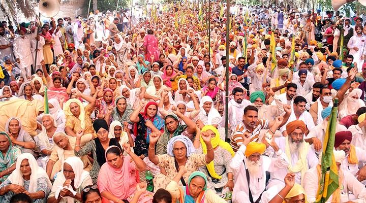 Çiftçilerin isyanı Modi'yi yenecek