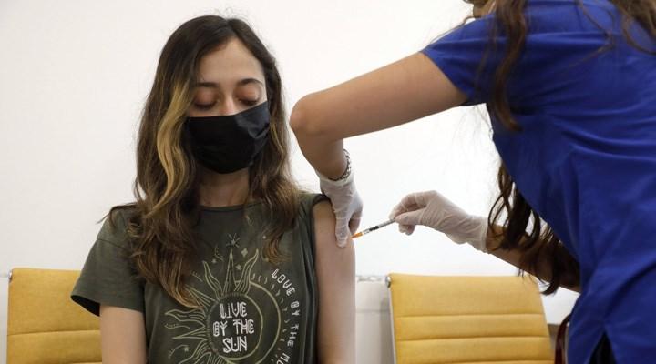 İstanbul Valisi Yerlikaya, gençlere ilişkin aşı verilerini paylaştı